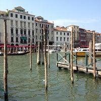 รูปภาพถ่ายที่ Canal Grande โดย Renato R. เมื่อ 7/27/2013