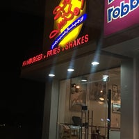 Photo taken at Johnny Rockets by Ahmed B. on 5/17/2016