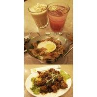 Photo taken at Qua-Li Noodle & Rice by Amanda K. on 2/2/2014