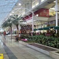 Foto tirada no(a) Shopping Estação por Leilane Da Paixão L. em 9/19/2012