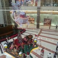 Foto diambil di Louis Vuitton oleh Izwan S. pada 12/19/2012