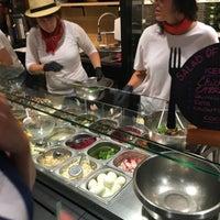 Das Foto wurde bei Letiuz Salad Bar von Laurent M. am 9/7/2016 aufgenommen