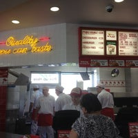 Photo taken at In-N-Out Burger by Kelly D. on 10/6/2012