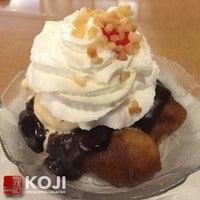Photo taken at Zippy's Pearl City by Koji on 10/19/2014