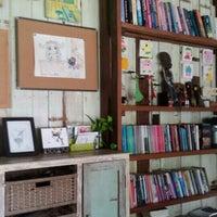 Photo taken at Chuen Jai Guesthouse by nahmnahmmm s. on 7/29/2016