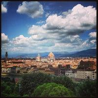 Foto scattata a Piazzale Michelangelo da Valentina D. il 6/22/2013