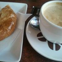 Photo taken at Cafetería El 42 by Veronica F. on 9/29/2012