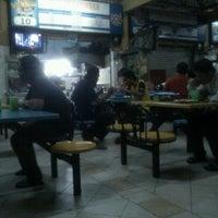 Photo taken at Medan Selera Seksyen 7 by Ronald G. on 11/6/2012