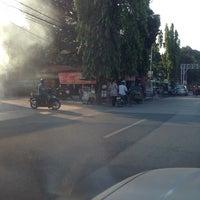 Photo taken at Pasar Dadakan by Kasmudji S. on 10/5/2013