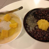 Photo taken at Ice Bowl Original Taiwan Desserts by PYeong on 1/3/2013