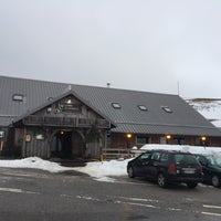 Photo taken at Auberge Le Pied du Hohneck by Joeri V. on 1/30/2018