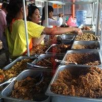 Photo taken at Nasi Pedas Ibu Andika by Budi C. on 12/18/2012