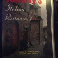 Das Foto wurde bei Johnny's Italian Restaurant von Doree T. am 1/15/2017 aufgenommen