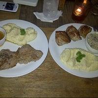 Photo taken at Extrablatt Deutscher Restaurant by cha m. on 11/25/2012