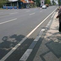 Photo taken at Halte Bus Depan Polres Lamongan by tiwicubby (. on 11/3/2012