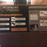 Снимок сделан в Platinum Internet Cafe & Game Online пользователем Ipul R. 10/26/2012