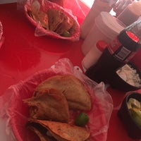 Photo taken at Tacos Barbacoa Prepa 5 by Momo K. on 6/11/2017