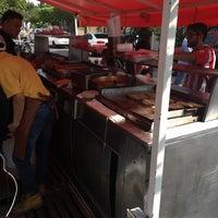Photo taken at Tacos Barbacoa Prepa 5 by Momo K. on 11/6/2016