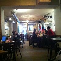 Das Foto wurde bei Café Morgenrot von Outi K. am 11/30/2012 aufgenommen