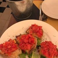 Foto scattata a Origano - cucina, pizza, caffè da Muhammed Y. il 9/7/2017