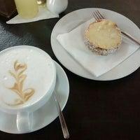 Foto tirada no(a) Café Batlle por Paulina C. em 2/26/2016
