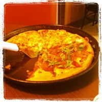 Photo taken at Pizza Hut by Vald F. on 7/11/2013