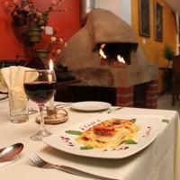 Foto tomada en La Casona Restaurant por La Casona Restaurant el 3/5/2016