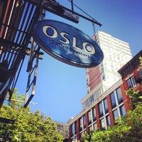 5/4/2013 tarihinde Brian B.ziyaretçi tarafından Oslo Coffee Roasters'de çekilen fotoğraf