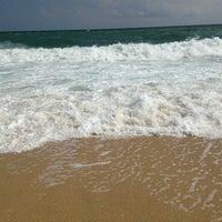Photo prise au Karaburun Plajı par Aylin B. le6/27/2013