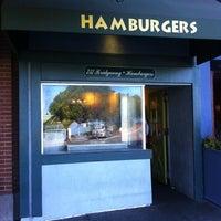 Photo taken at Hamburgers by Luiz Otávio L. on 9/20/2012