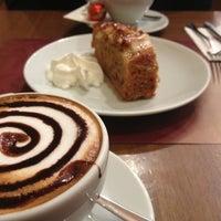 3/5/2013 tarihinde Buseziyaretçi tarafından Kahve Dünyası'de çekilen fotoğraf