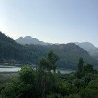 Photo taken at Şaban'in Yeri Balık Karacaören Barajı by Mehmet G. on 7/19/2018