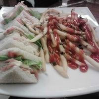 Photo taken at Universum Restaurante Gourmet by Silvia N. on 4/2/2013