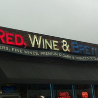 Photo taken at Red, Wine & Brew - Chesterland by Char T. on 5/23/2013