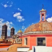 Photo taken at Museo Amparo by Ramiro M. on 3/30/2013