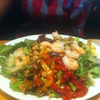 Photo taken at California Pizza Kitchen by Daniel W. on 5/15/2013