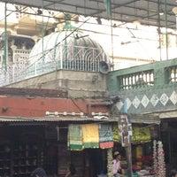 Photo taken at Hazrat bahauddin baba dargah by Fayaz M. on 4/4/2013