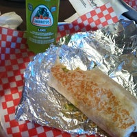 Photo taken at Mucho Burrito Fresh Mexican Grill by Bevin A. on 9/30/2012