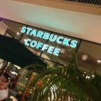 Foto diambil di Starbucks oleh Andres N. pada 3/29/2013