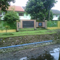 Photo taken at SMA Negeri 6 Malang by Diona L. on 6/21/2013