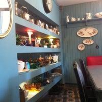Foto tirada no(a) Susam Cafe por Deniz K. em 12/2/2012