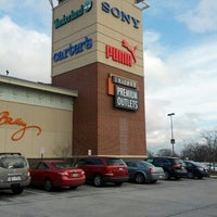 Photo taken at Chicago Premium Outlets by Max183 on 12/8/2012