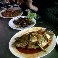Photo taken at Wajir Seafood by andi b. on 4/26/2013
