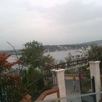 10/29/2012 tarihinde senem a.ziyaretçi tarafından Cafe Crown Cubuklu'de çekilen fotoğraf