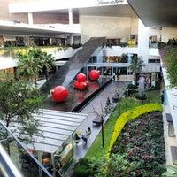 Foto tomada en Centro Comercial Andares por Josearmando M. el 12/22/2012