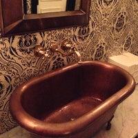 Das Foto wurde bei Bathtub Gin von Fabio R. am 10/19/2012 aufgenommen