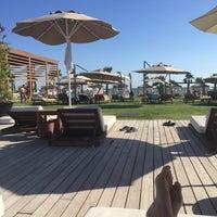 Foto tomada en Beach Lounge por Aslı G. el 9/23/2017