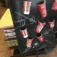 Photo taken at Starbucks by Dante on 1/7/2017