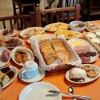 Снимок сделан в Café Colonial Walachay пользователем Moisés L. 6/8/2014