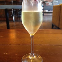 3/30/2014にRafael T.がJake's on 6th Wine Barで撮った写真
